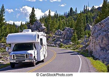 camping car, yellowstone, voyage