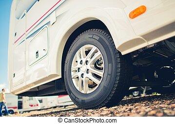 campista, nuevo, furgoneta, rv, neumáticos