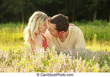 campo, coppia, amore, fuori