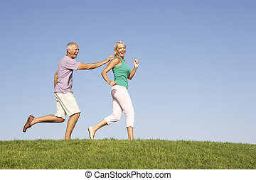 campo, correndo, coppia, anziano, sebbene