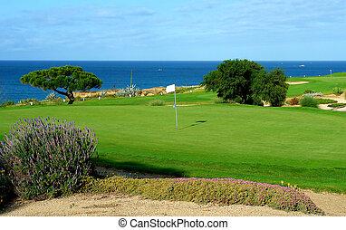 campo golfe, por, a, mar