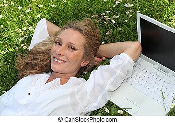 campo, mulher, computador