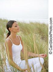 campo, mulher, ioga