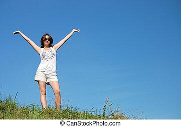 campo, mulher, jovem, feliz