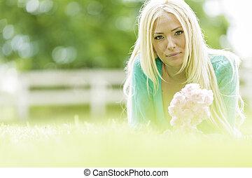 campo, mulher, jovem, loura