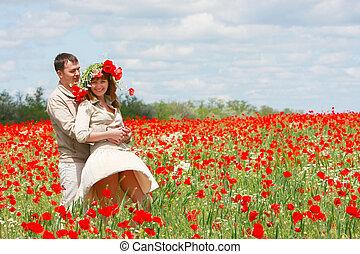 campo, par, feliz, vermelho, papoulas