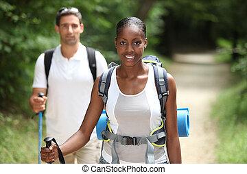 campo, pareja, por, excursionismo