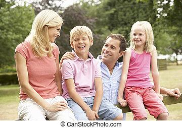 campo, retrato, cerca, família, sentando