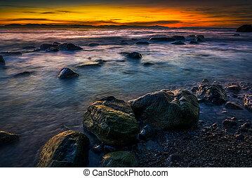 "canada, naufragio, tramonto, optional"", ""clothes, spiaggia"