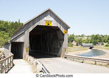 canadense, pontes