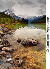 canadese, montagne rocciose, in, cadere, jasper parco nazionale