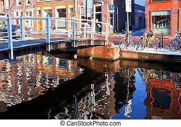 canal, casa, reflexión, delft