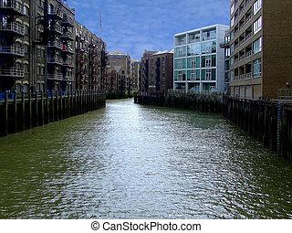canal, casas