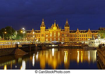 canal, cidade, centraal, estação, noturna, amsterdão, vista