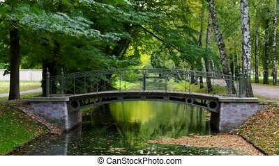 canal, pont miniature