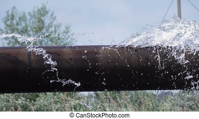 canal transmission eau, fuir