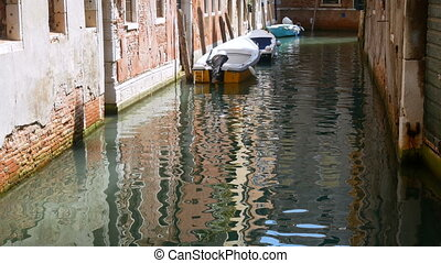 Canal Venice water boat build - Canal in Venice water boat ...