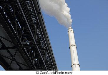 canalisations, et, cheminée, contre, ciel bleu