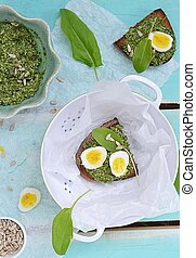 canape with pesto and eggs