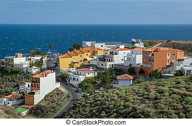 Canarian village and ocena view - Typical canarian houses...