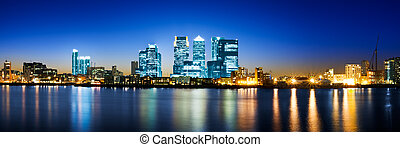 Panoramic picture of Canary Wharf view from Greenwich. This view includes: Credit Suisse, Morgan Stanley, HSBC Group Head Office, Canary Wharf Tower, Citigroup Centre, One Churchill Place(Barclays) and Riverside apartment.