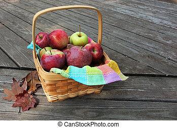canasta de manzanas