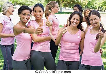 cancer, pouces, participants, poitrine, haut, faire gestes