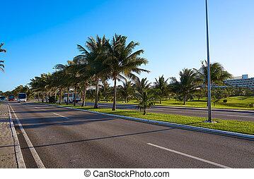 Cancun Mexico Kukulcan blvd Mexico - Cancun Mexico Kukulcan...