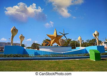 Cancun Plaza Ceviche square in Mexico - Cancun Plaza Ceviche...