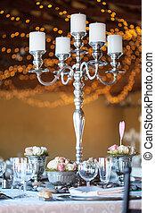 candelabra, &, 花, 上に, テーブル, ∥において∥, 結婚式 受信