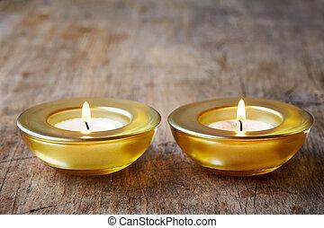 candele bruciando