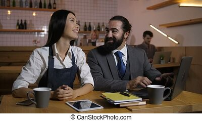 Candidate sharing ideas with owner during interview -...