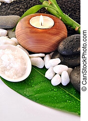 candles for spa day - green leaf with natural water drops...