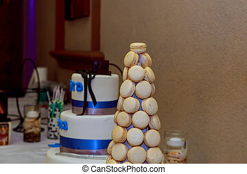 Candy bar. Table with sweet candies. Sweets table cake