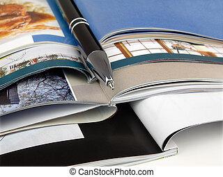 caneta, magazines.