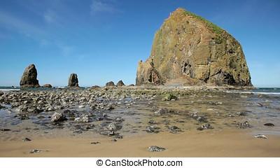 Cannon Beach, Haystack Rock