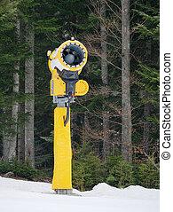 cannon mountain snowmaking artificial snow