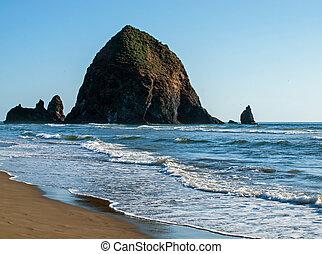 cannone s.u.a., oregon, roccia, mucchio fieno, spiaggia