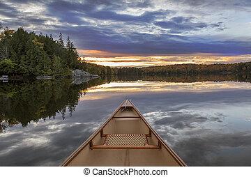 canoë, arc, à, coucher soleil, -, ontario, canada