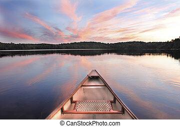 canoa, arco, en, un, lago, en, ocaso