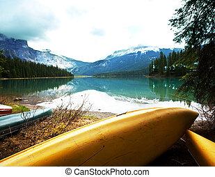 Canoe - canoe on lake