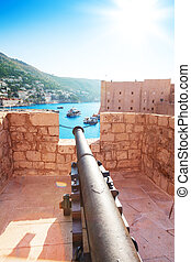 Canon on walls of Dubrovnik