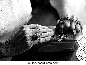 cansadas, antigas, gasto, mãos, de, um, mulher