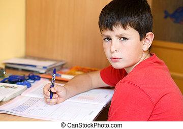 cansadas, e, aborrecido, menino, fazendo, escola, dever casa