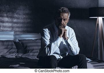 cansado, homem, em, depressão