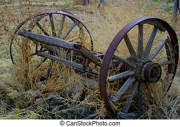 Wagon Wheel 3964 - Wagon wheel found deserted near Penrose,...