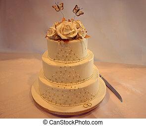 Wedding cake - Golden butterflies