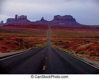 Monument Valley - Road leading to Monument Valley