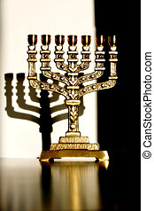 Menorah in full view, with shadow
