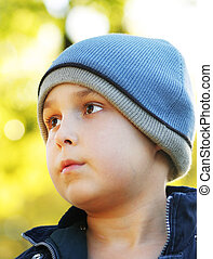 Cool days - Boy in a beanie, shallow dof
